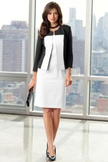 Девушка в деловой одежде